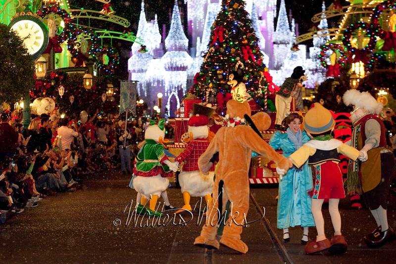 Disney_141216_1455