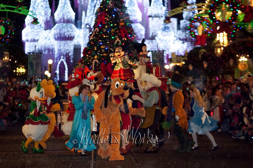 Disney_141216_1447