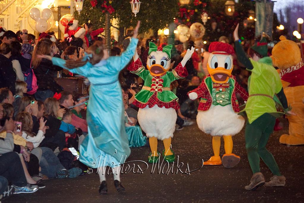 Disney_141216_1463