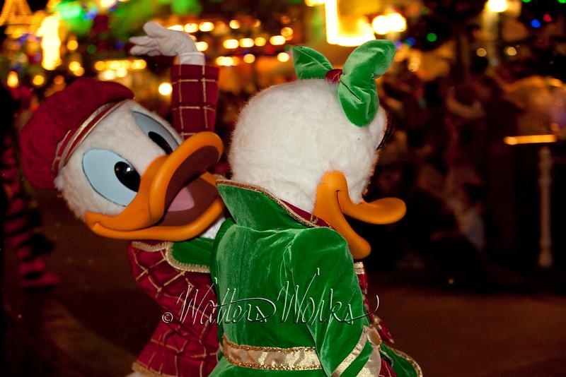 Disney_141216_1480