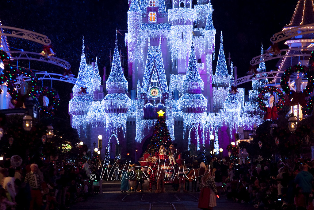 Disney_141216_1427