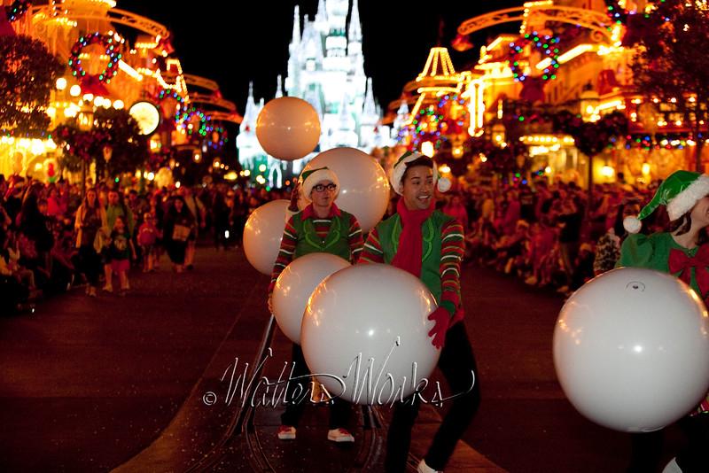 Disney_141216_1415