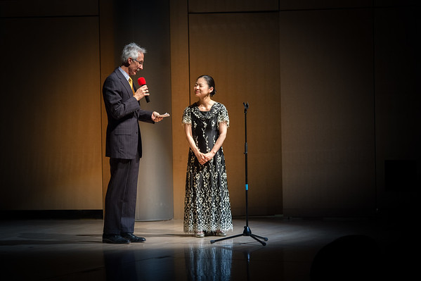 Midori agreed to take questions from the audience.  Image courtesy of Dennis Chamberlain.