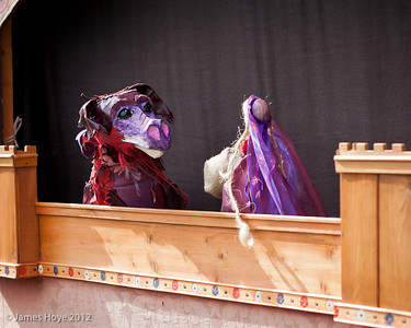 Medieval puppets