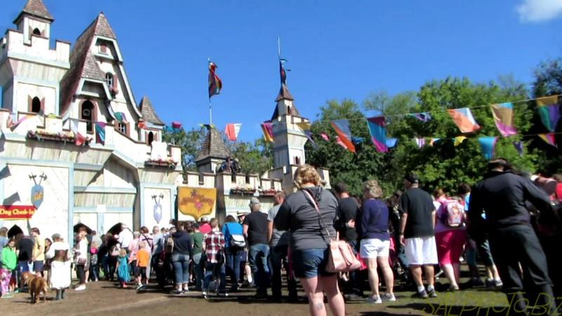 "Minnesota Renaissance Festival: Scenes from the Day<br /> <a href=""https://youtu.be/udldhZasfXg"">https://youtu.be/udldhZasfXg</a>"
