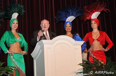 Las Vegas Mayor Oscar Goodman striking his usual pose!