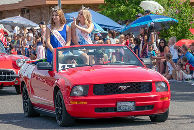 Miss Tri-Cities at the 4th Parade