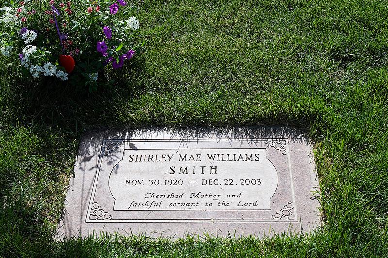 Mom's Headstone - Love ya Mom
