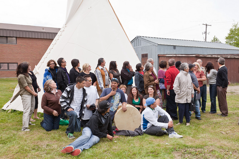 Opening ceremony for probation tipi in Moosonee 2010 June 9th - watching the geese.