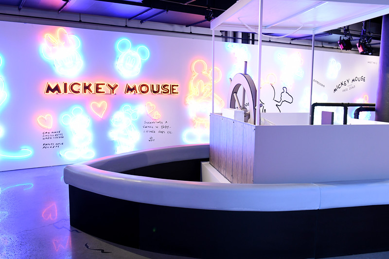 775250995NP00107_Mickey_The