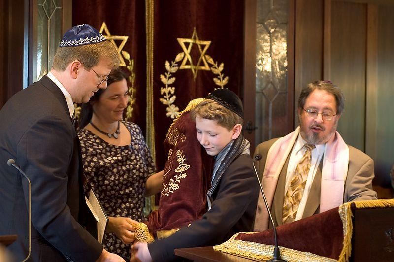 <b>Torah Hand-off</b>   (May 28, 2005, 09:51am)