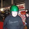 Stand Motor equipment.<br /> Danny zoekt een nieuwe scooter helm.