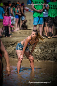 D75_5695-12x18-06_2017-Mud_Volleyball