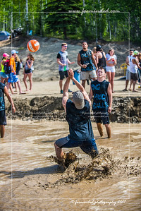 D75_5684-12x18-06_2017-Mud_Volleyball