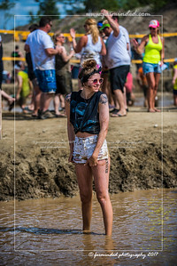 D75_5680-12x18-06_2017-Mud_Volleyball