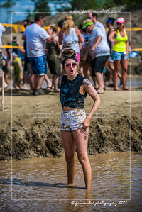 D75_5679-12x18-06_2017-Mud_Volleyball