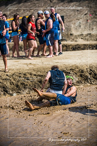 D75_5706-12x18-06_2017-Mud_Volleyball