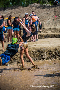 D75_5699-12x18-06_2017-Mud_Volleyball