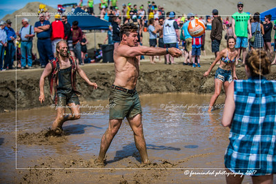 D75_5673-12x18-06_2017-Mud_Volleyball-W