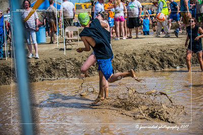 D75_5676-12x18-06_2017-Mud_Volleyball-W