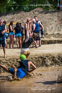 D75_5700-12x18-06_2017-Mud_Volleyball