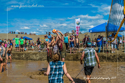 DS5_8785-12x18-06_2017-Mud_Volleyball-W