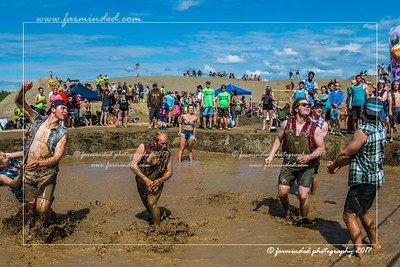 DS5_8799-12x18-06_2017-Mud_Volleyball-W