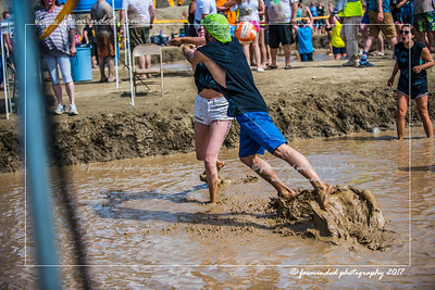 D75_5675-12x18-06_2017-Mud_Volleyball-W