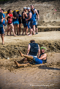 D75_5705-12x18-06_2017-Mud_Volleyball