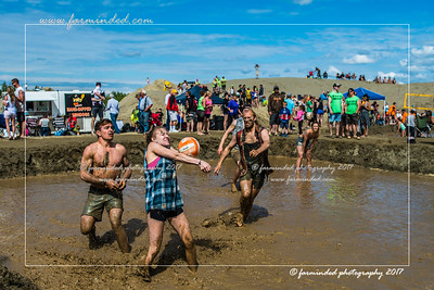 DS5_8753-12x18-06_2017-Mud_Volleyball-W