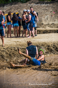 D75_5704-12x18-06_2017-Mud_Volleyball