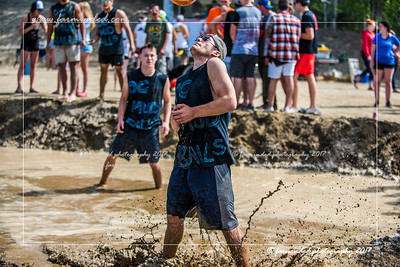 D75_5688-12x18-06_2017-Mud_Volleyball-W