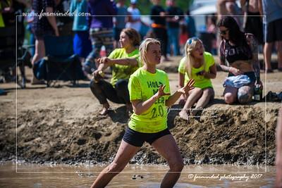 D75_6999-12x18-06_2017-Mud_Volleyball-W