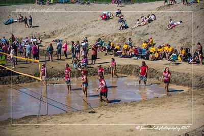 D75_7071-12x18-06_2017-Mud_Volleyball-W