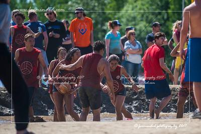 D75_6958-12x18-06_2017-Mud_Volleyball-W