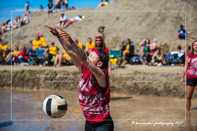 D75_7054-12x18-06_2017-Mud_Volleyball-W
