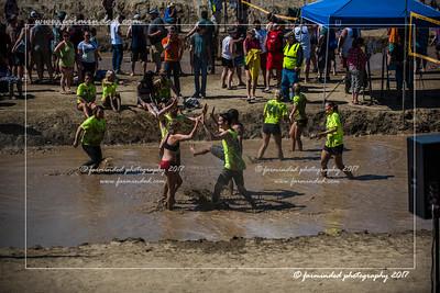 D75_7087-12x18-06_2017-Mud_Volleyball-W