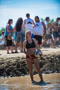 D75_6973-12x18-06_2017-Mud_Volleyball