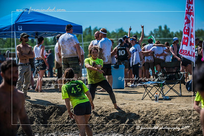 D75_7037-12x18-06_2017-Mud_Volleyball-W