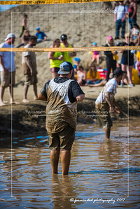 D75_8545-12x18-06_2017-Mud_Volleyball