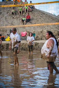 D75_8602-12x18-06_2017-Mud_Volleyball