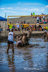 D75_8617-12x18-06_2017-Mud_Volleyball