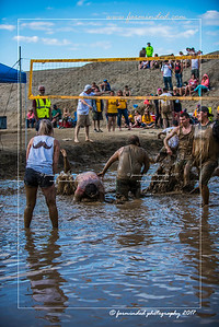 D75_8622-12x18-06_2017-Mud_Volleyball