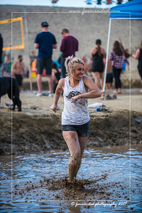 D75_8608-12x18-06_2017-Mud_Volleyball