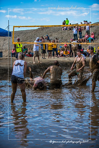 D75_8621-12x18-06_2017-Mud_Volleyball