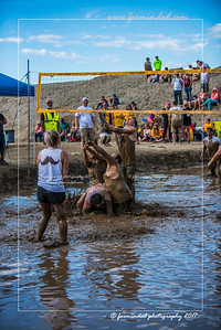 D75_8614-12x18-06_2017-Mud_Volleyball