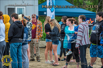 D75_4637-12x18-06_2019-Mud Volleyball-W