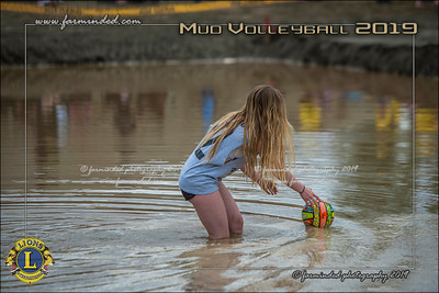 D75_4676-12x18-06_2019-Mud Volleyball-W