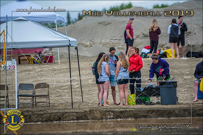 D75_4661-12x18-06_2019-Mud Volleyball-W