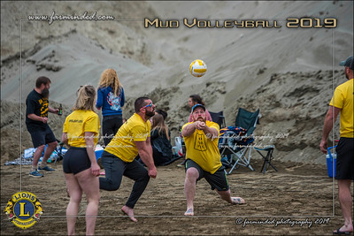 D75_4656-12x18-06_2019-Mud Volleyball-W